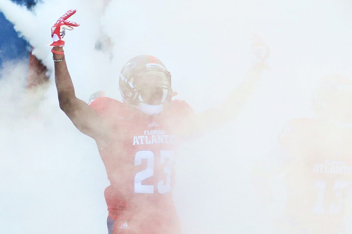 fau football smoke