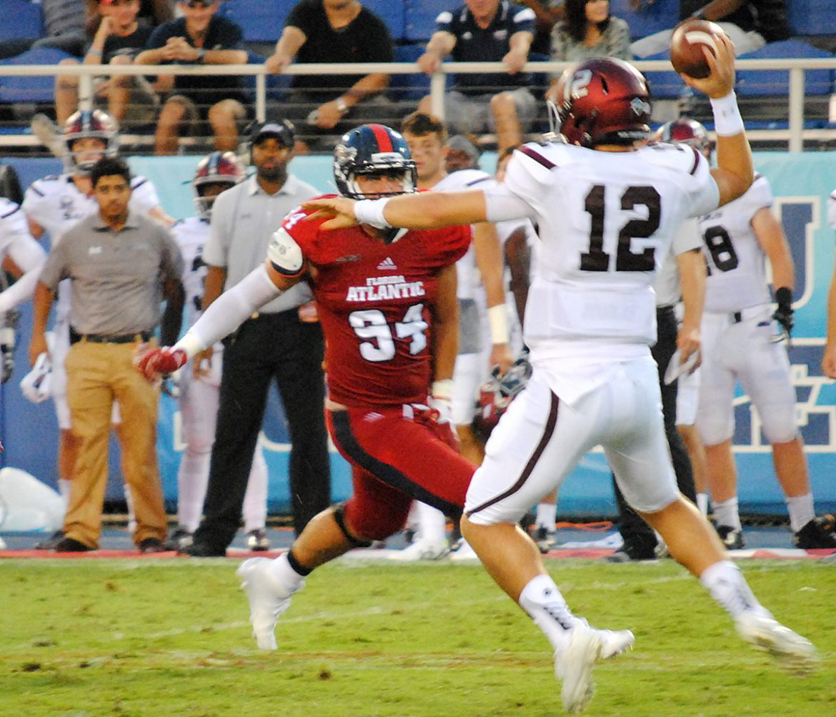 Photo Gallery: FAU 38, SIU 30