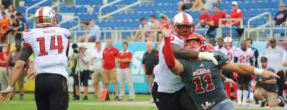 Photo Gallery:<br> WKU 52, FAU 3 <div class='secondary-title'><span style='color:#818181;font-size:14px;'>What does a 49 -point FAU loss look like? Here's our photo gallery from Saturday's game.</div>