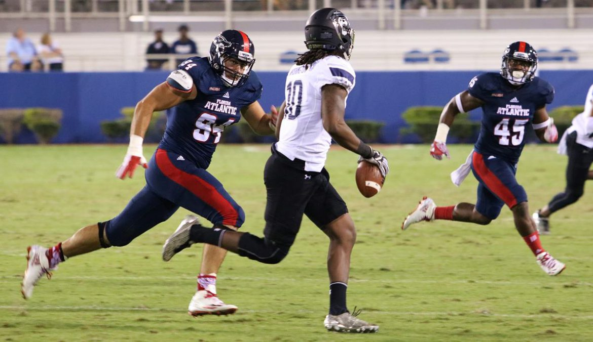 Photo Gallery:<br> ODU 42, FAU 24 <div class='secondary-title'><span style='color:#818181;font-size:14px;'>Photos showing the pregame ceremony and game action from FAU's loss to ODU.</div>
