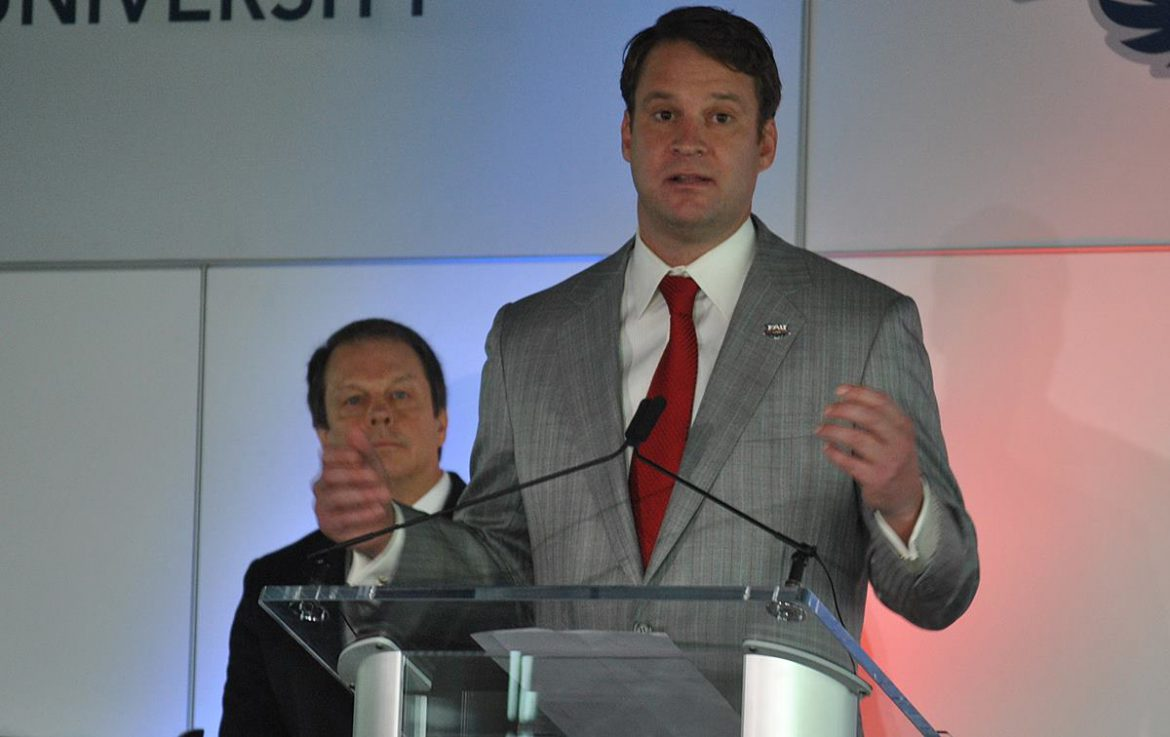 fau dr john kelly lane kiffin