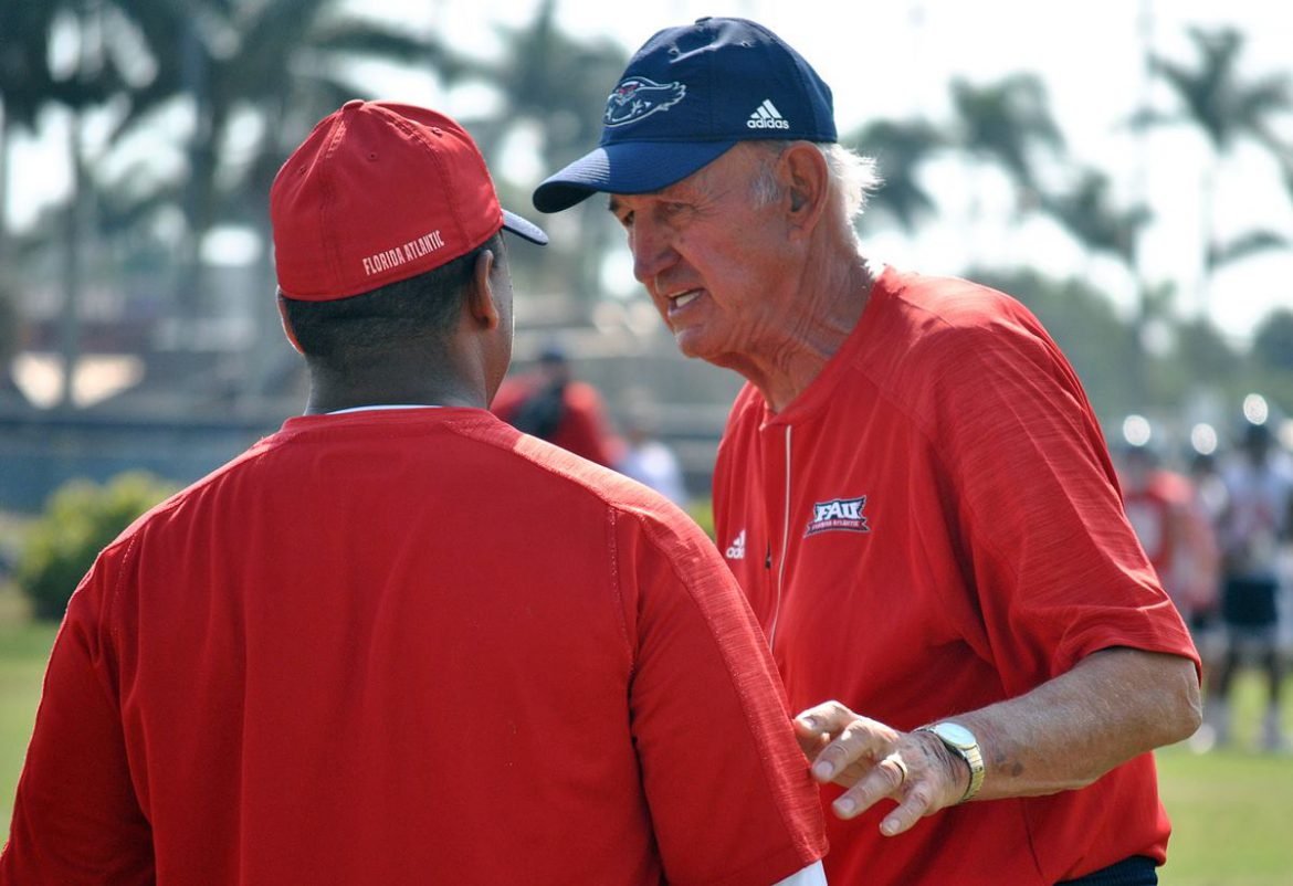 Photo Gallery: <br> FAU Spring Practice <div class='secondary-title'><span style='color:#818181;font-size:14px;'>FAU football's second spring practice offered a surpise ending. We have shots from that and more in this FAU photo gallery.</div>