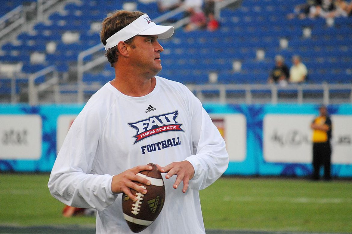 Photo Gallery:<br> FAU vs Navy <div class='secondary-title'><span style='color:#818181;font-size:14px;'>From the Owl Walk to the post game, our camera was there to capture Lane Kiffin and your favorite FAU players. Enjoy the gallery.</div>