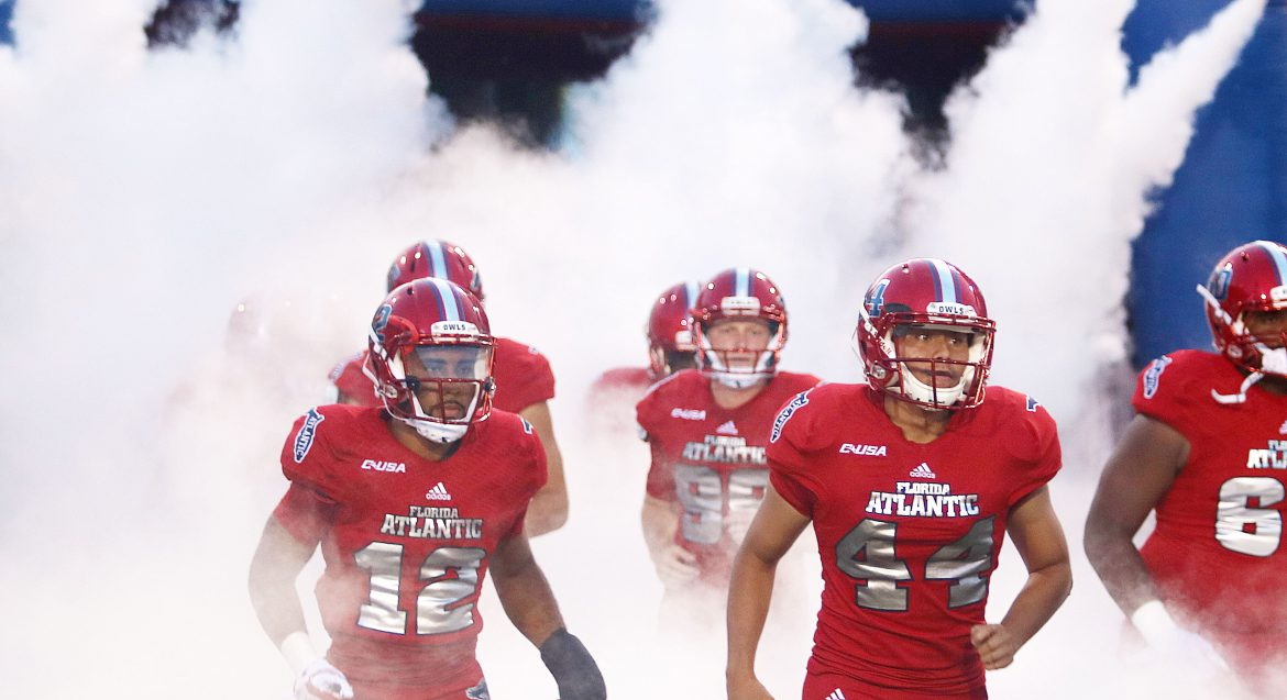 Four Down Territory:<br> FAU 38, MTSU 20 <div class='secondary-title'><span style='color:#818181;font-size:14px;'>The decision to start Driskel, Motor's bid day and FAU's newly-found ability to close games all analyzed in this week's Four Down Territory.</div>