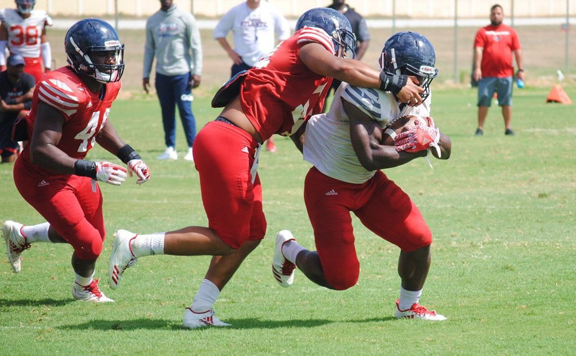 Keeping Pace <div class='secondary-title'><span style='color:#818181;font-size:14px;'>Changes at key coaching positions and at quarterback aren't causing FAU's offense to slow what it hopes will be a breakneck pace.</div>
