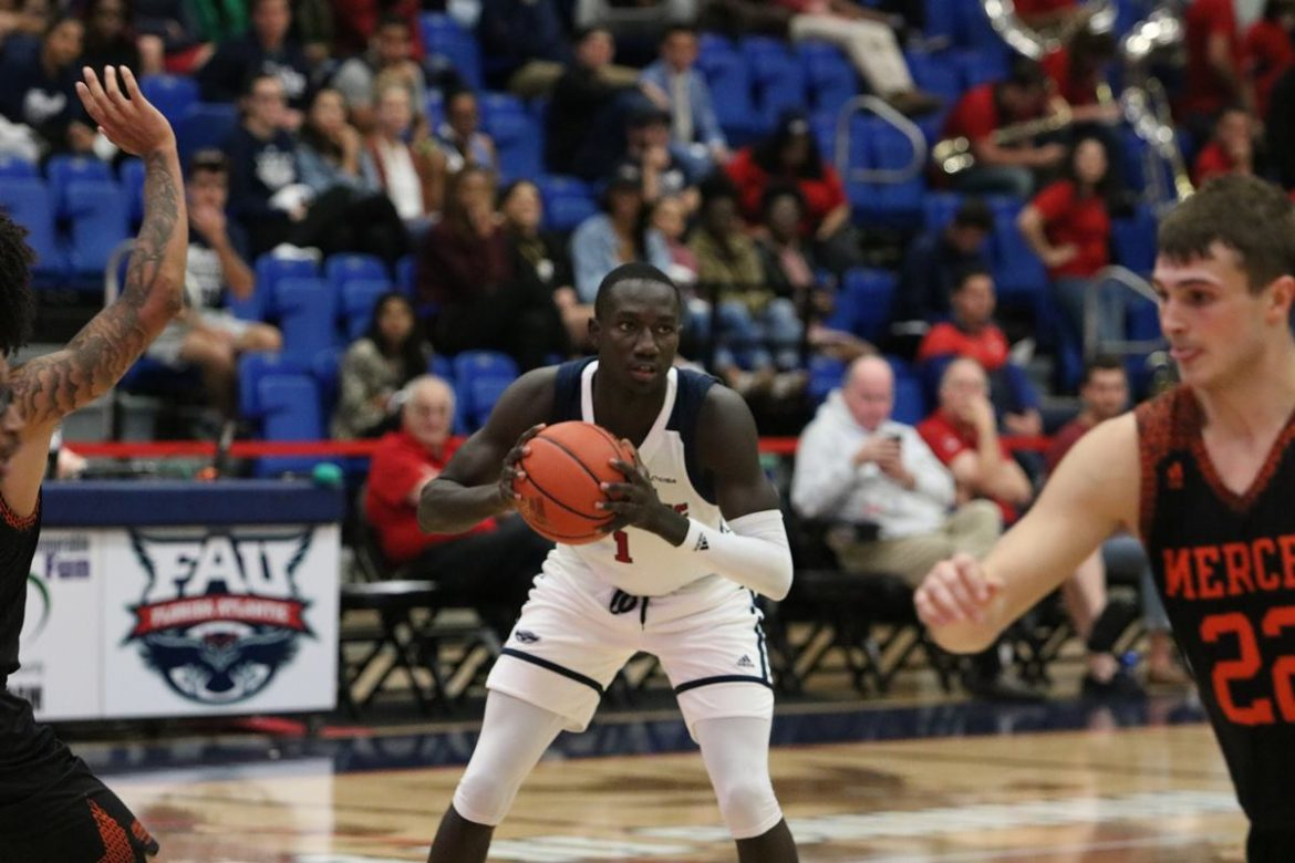 Owls Hang On <div class='secondary-title'><span style='color:#818181;font-size:14px;'>FAU leads all but 15 seconds against Mercer, withstands late Bears push to improve to 7-2 on the season.</div>