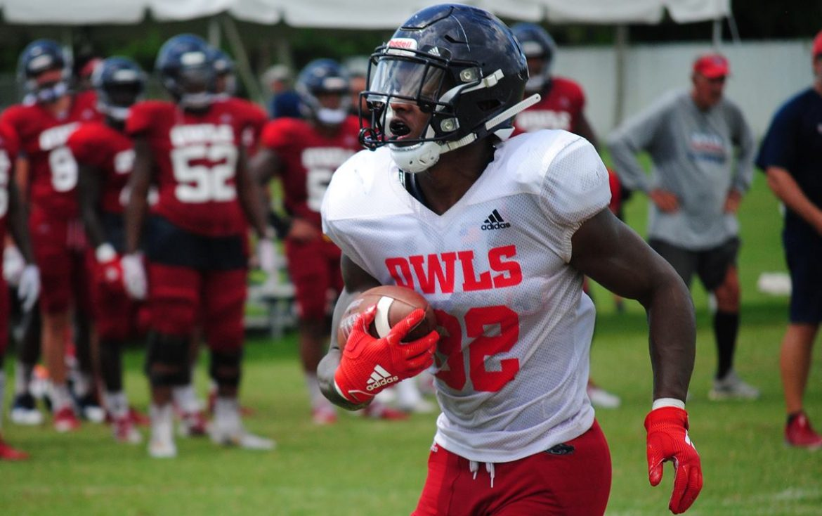 Coordinated Effort <div class='secondary-title'><span style='color:#818181;font-size:14px;'>FAU DC Glenn Spencer is still steamed about Saturday's first possession, while QB Chris Robison's decisons impressed OC Charlie Weis.</div>