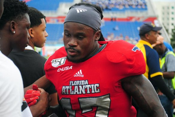 Four Down Territory:<br> FAU 28, MTSU 13 <div class='secondary-title'><span style='color:#818181;font-size:14px;'>Meiko Dotson delivers again, the Tronti-cat package ignites FAU's running game and the surprising passing game struggles covered in our Four Down Territory analysis.</div>