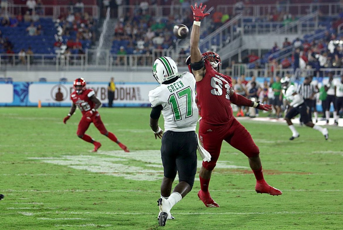 FOUR DOWN TERRITORY:<br> Marshall 36, FAU 31 <div class='secondary-title'><span style='color:#818181;font-size:14px;'>Linebacker Caliph Brice delivers a career performance, the Owls OL struggles and what was with those officials? Here's your Four Down Territory analysis. </div>